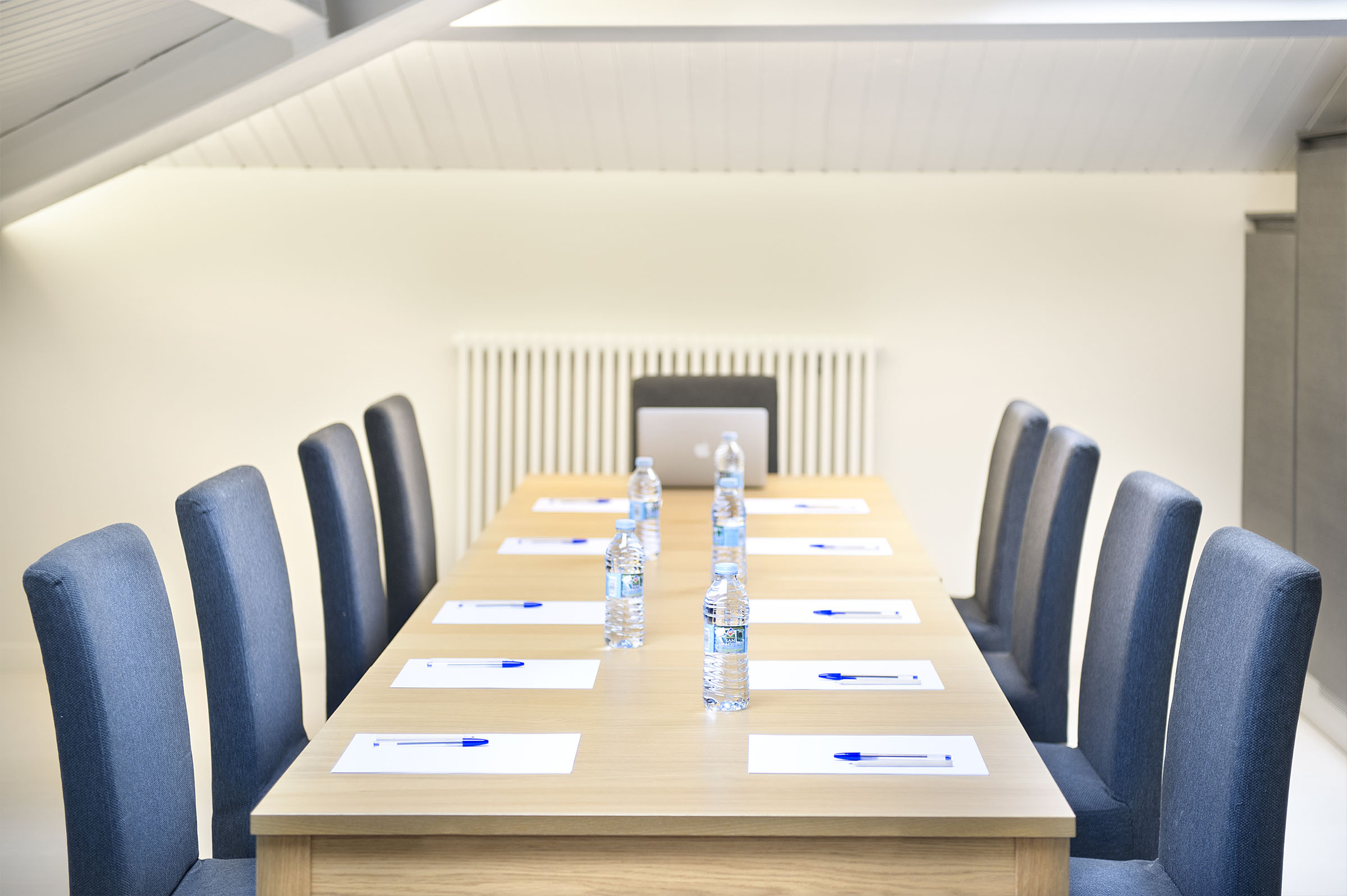 Espacio de trabajo y reunión 1
